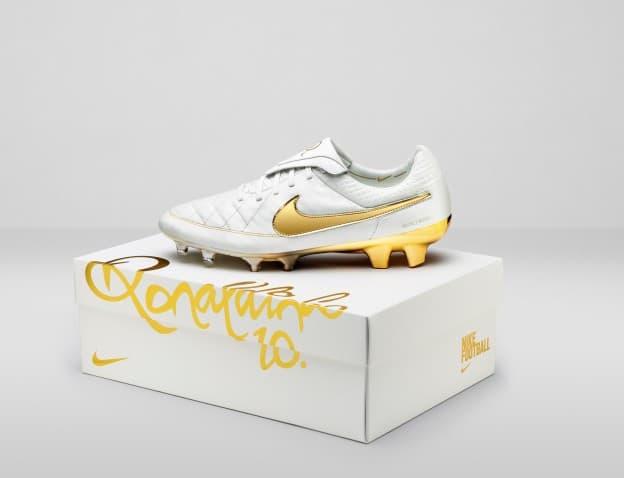 sneakers for cheap fd08d 85dfd Nike Football Ronaldino Tiempo Gold BOX hero original