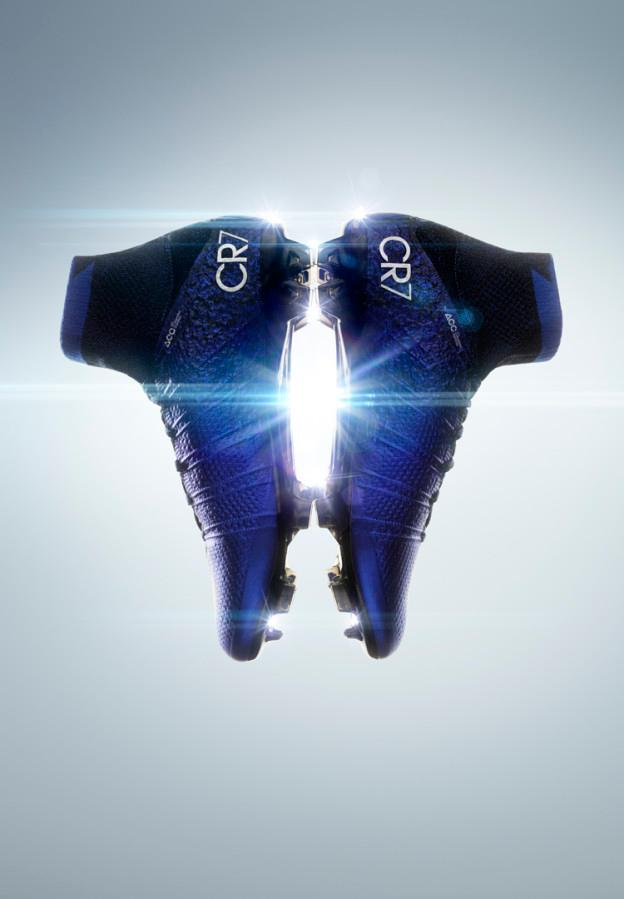 e810fd3402b2 Early in his development, Ronaldo started to show signs of becoming one of  the greatest players in the world, and his new Nike Mercurial Superfly CR7  ...
