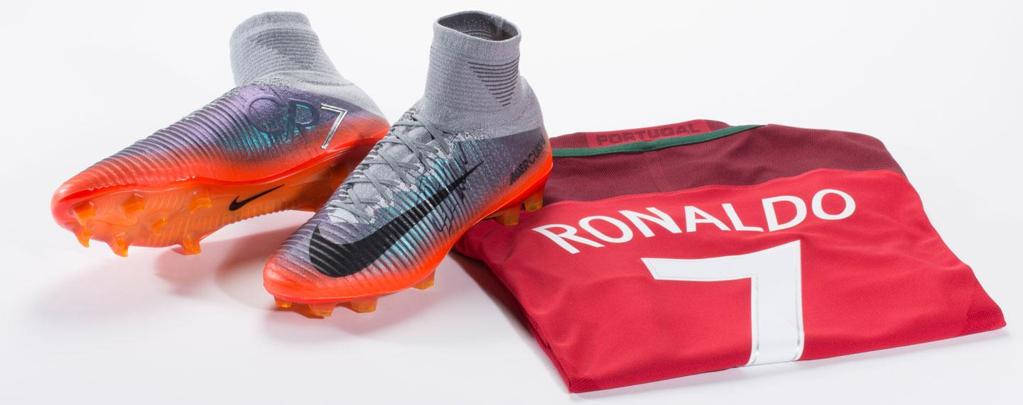 Cristiano Ronaldo signed Nike Mercurial Superfly CR7 Chapter Four cleats  and 2016 Nike Portugal home jersey b2acdc68d
