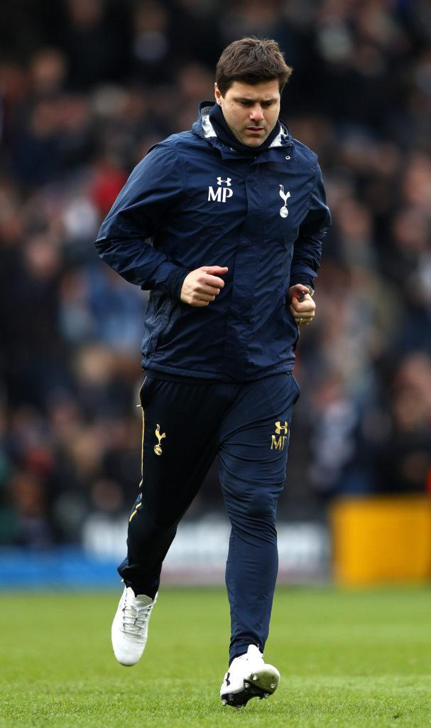 LONDON, ENGLAND - FEBRUARY 19: Mauricio Pochettino manager of Tottenham Hotspur runs across the pitch at half time during The Emirates FA Cup Fifth Round match between Fulham and Tottenham Hotspur at Craven Cottage on February 19, 2017 in London, England. (Photo by Ian Walton/Getty Images)