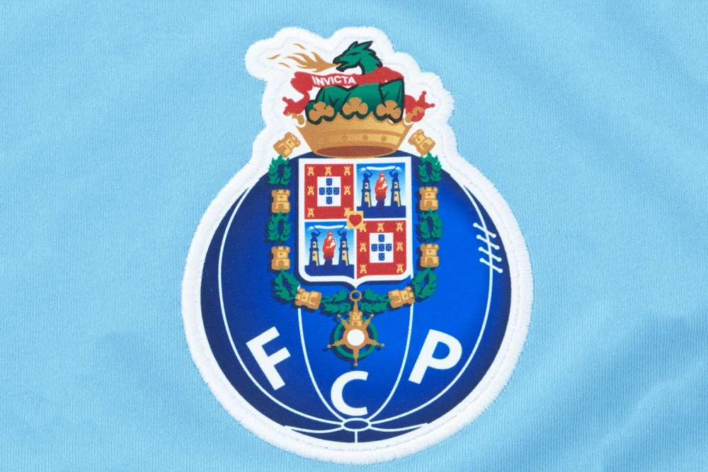 The club crest on the 2017-18 New Balance FC Porto Third Jersey