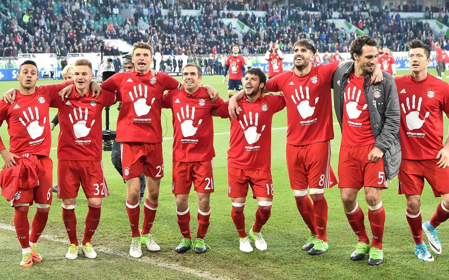Bayern Munich players celebrate their 2017/18 Bundesliga title