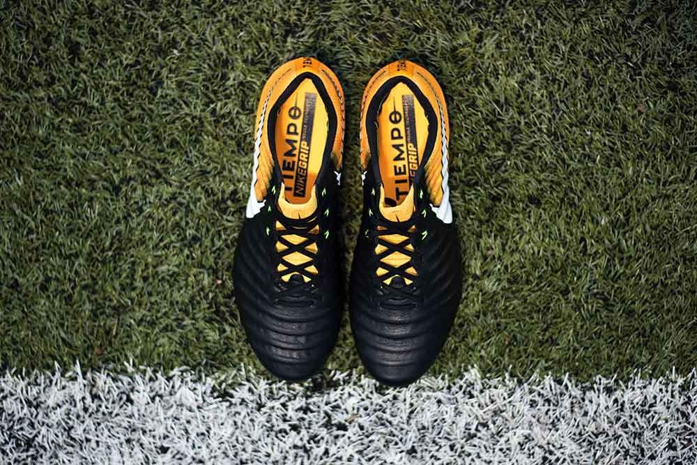 timeless design e7324 bc3e6 Play Test Review: Nike Tiempo Legend 7