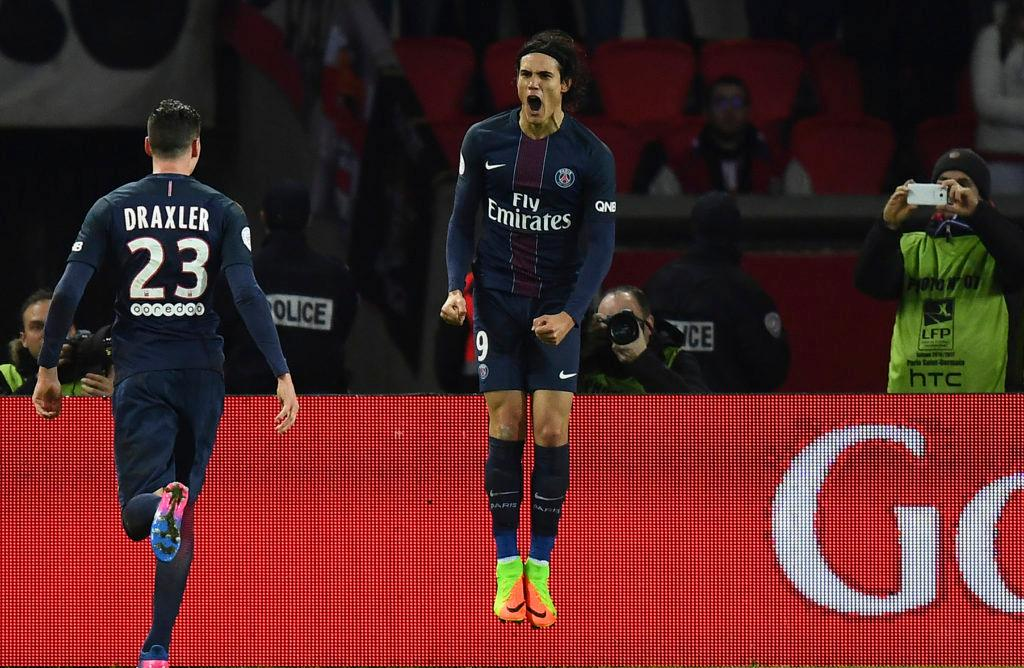 TOPSHOT - Paris Saint-Germain's Uruguayan forward Edinson Cavani celebrates after scroing a goal during the French L1 football match between Paris Saint-Germain and Monaco on January 29, 2017 at the Parc des Princes stadium in Paris. / AFP / FRANCK FIFE (Photo credit should read FRANCK FIFE/AFP/Getty Images)