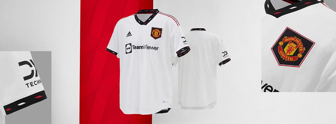 buy online e0e25 7daab Manchester United Jerseys & Apparel | SOCCER.COM