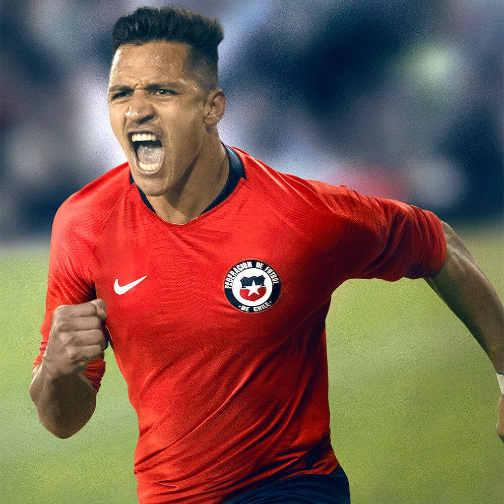Alexis Sanchez in the 2018 Nike Chile home jersey
