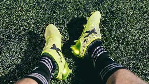 sale retailer f04c6 b00f2 Soccer Cleat Sizing 101