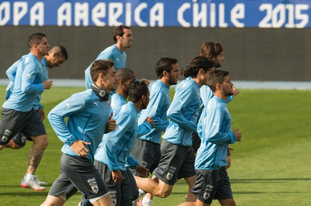 Action photo during Uruguay training, before the Quarters Finals of the of XLIV Copa America Chile 2015 at Nacional stadium , Santiago, Chile, in the photo: (l)-( r), Alvaro Pereira and and Edinson Cavani Foto de accion durante el entrenamiento de la Seleccion de Uruguay, previo a los Cuartos de FInal de la XLIV Copa America Chile 2015 en el Estadio Nacional, Santiago de Chile, en la foto: (i)-(d),  Alvaro Pereira y Edinson Cavani 22/06/2015/MEXSPORT/Jorge Martinez.