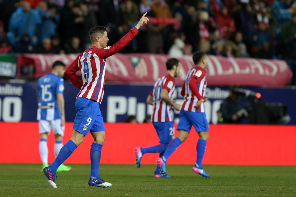 Atletico Madrid's forward Fernando Torres celebrates a goal during the Spanish league football match Club Atletico de Madrid vs Club Deportivo Leganes SAD at the Vicente Calderon stadium in Madrid on February 4, 2017. / AFP / CESAR MANSO (Photo credit should read CESAR MANSO/AFP/Getty Images)