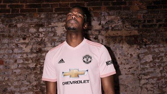 buy online 4c348 7bb88 Manchester United Jerseys & Apparel | SOCCER.COM