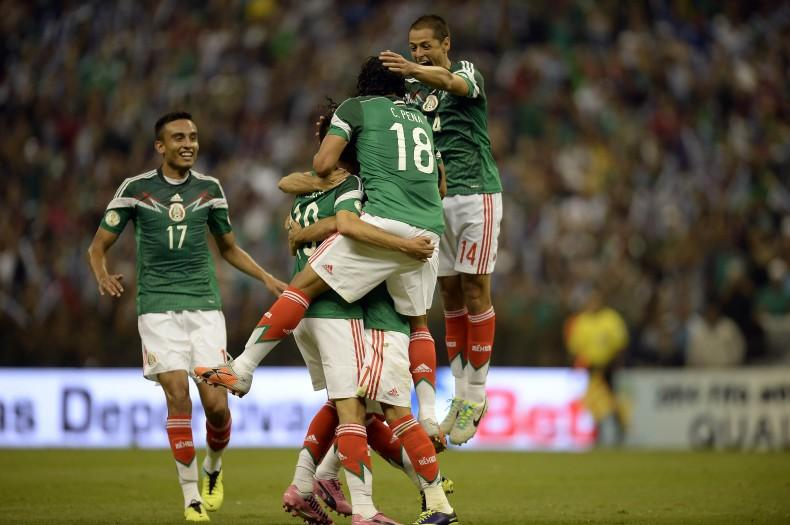 FBL-WC2014-QUALIFIERS-MEX-PAN