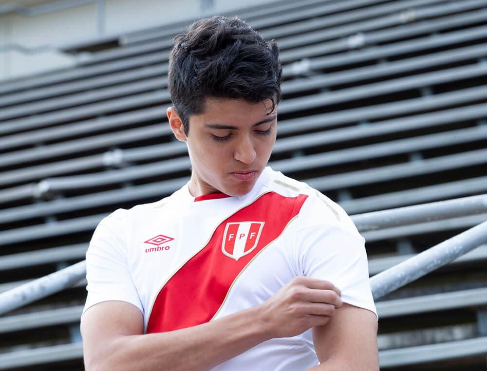 2018 Umbro Peru home jersey