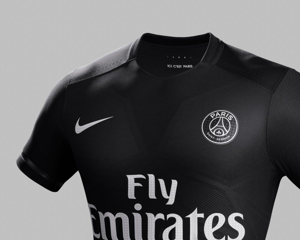 Ho15_Club_Kits_PR_PSG_Dark_Light_Crest_R_original