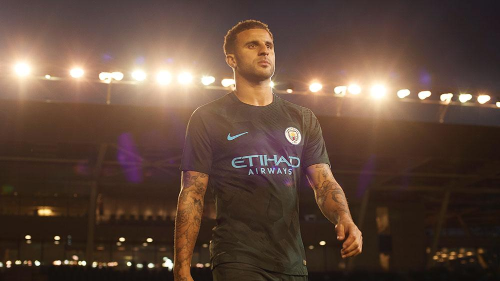 Kyle Walker in the new Nike Manchester City Third Jersey 17/18