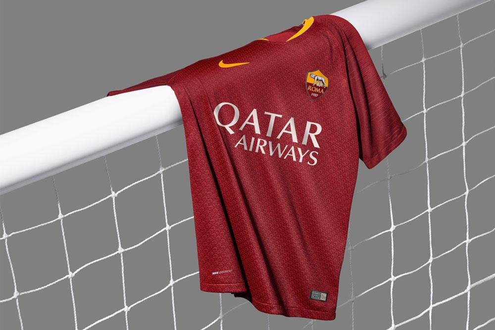 hot sale online 34cea dc8bb Nike debuts 2018-19 AS Roma home kit