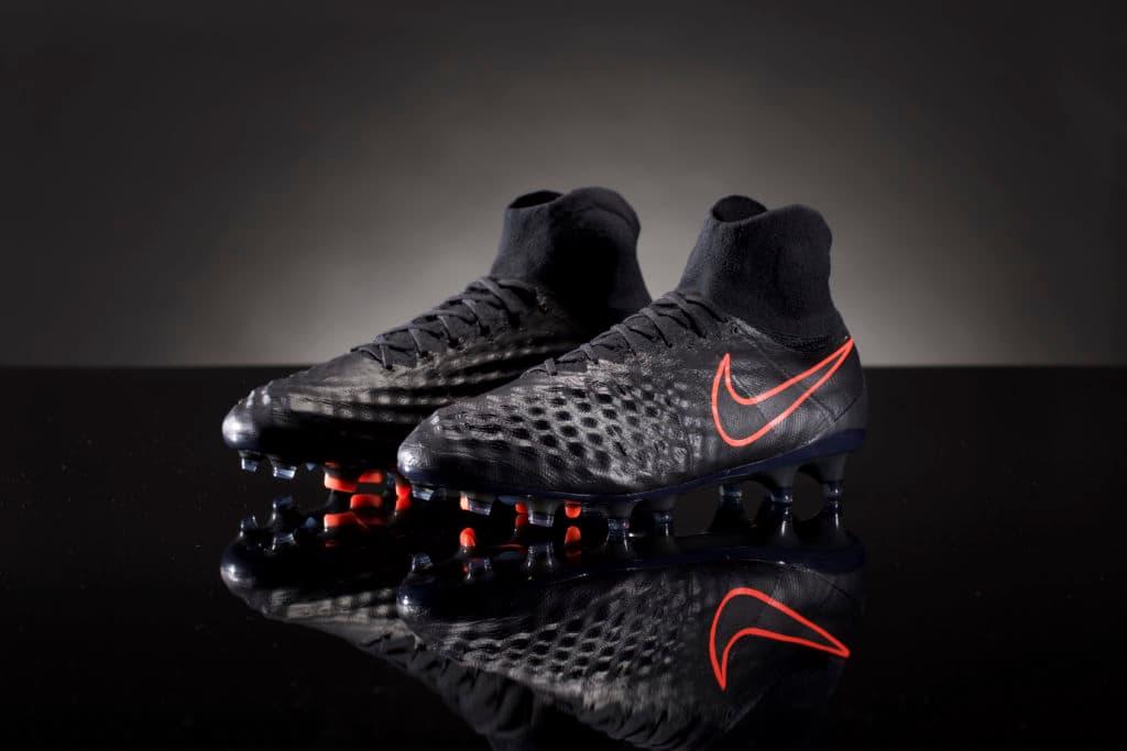 reputable site 0b4d4 560b4 Nike Reveals Pitch Dark Magista II