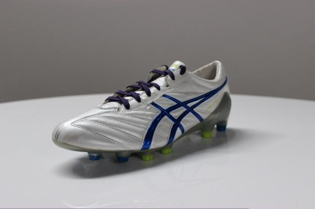 dad0c2793803 9) Asics DS Light X-Fly K. image. This is one of two Kangaroo leather cleat  in our speed cleat list