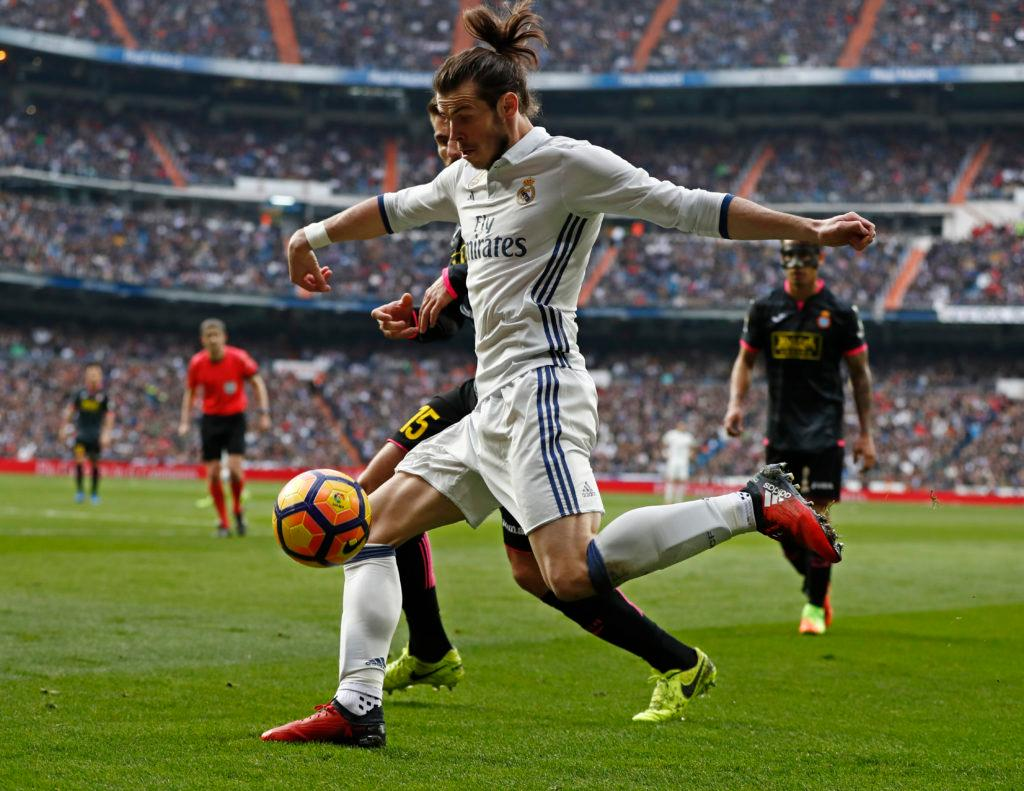 MADRID, SPAIN - FEBRUARY 18: Gareth Bale of Real Madrid in action during the La Liga match between Real Madrid and RCD Espanyol at Estadio Santiago Bernabeu on February 18, 2017 in Madrid, Spain. (Photo by Helios de la Rubia/Real Madrid via Getty Images)