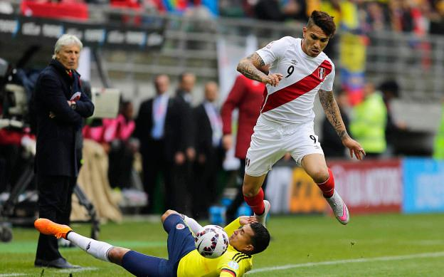 Action photo during the match Colombia vs Peru, Corresponding of the group -C- of XLIV Copa America Chile 2015 at German Becker stadium, Temuco, Chile, in the photo:  (l)-( r), Jeison Murillo of Colombia and Jose Paolo Guerrero of Peru Foto de accion durante el partido Colombia vs Peru, Correspondiente al grupo -C- de la XLIV Copa America Chile 2015 en el estadio German Becker, Temuco, Chile, en la foto: (i)-(d),  Jeison Murillo de Colombia y Jose Paolo Guerrero de Peru 21/06/2015/PHOTOSPORT/Alejandro Zonez/MEXSPORT.